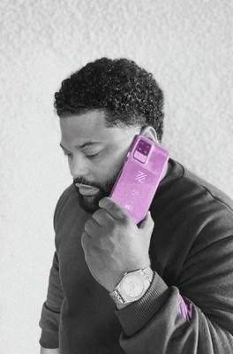 ZmBIZI lanza su smartphone insignia Z2, el primer teléfono que le paga por usarlo a diario